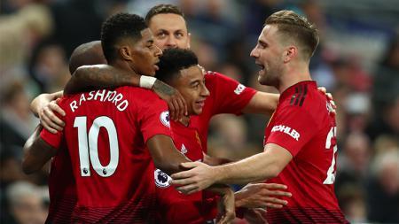 Skuat Manchester United merayakan gol - INDOSPORT