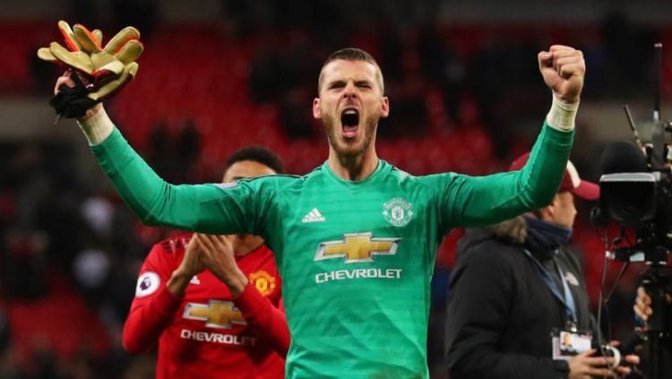 Kiper Manchester United, David de Gea usai kemenangan melawan Tottenham Hotspur, Senin (14/01/19) Copyright: Twitter / Manchester United