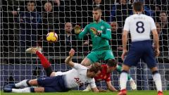 Indosport - Penyelamatan gemilang David De Gea saat melawan Tottenham Hotspur.