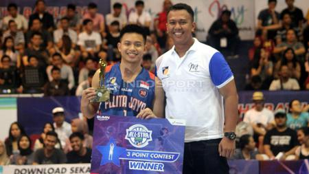Point guard utama Pelita Jaya Jakarta, Andakara Prastawa Dhyaksa, tampil memukau dalam IBL Pertamax Three Point Contest 2019. - INDOSPORT