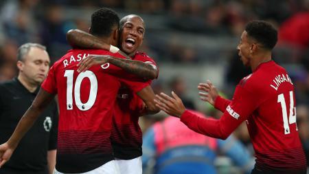 Selebrasi Marcus Rashford dan Ashley Young (Manchester United) saat merayakan gol. - INDOSPORT