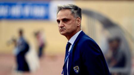 Pelatih Rumania Marian Mihail yang diisukan akan bergabung ke PSM Makassar. - INDOSPORT