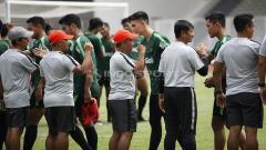 Indosport - Suasana latihan pemain Timnas Indonesia U-22.