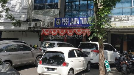 Kantor Asprov PSSI Jatim, Selasa (15/1/19). - INDOSPORT