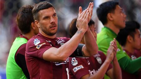 Lukas Podolski batal pindah ke klub Malaysia dan malah berlabuh ke klub Turki, Antalyaspor. - INDOSPORT