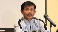 Indosport - Pelatih timnas U-22 Indonesia, Indra Sjafri dalam jumpa pers