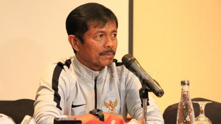 Pelatih timnas U-22 Indonesia, Indra Sjafri dalam jumpa pers - INDOSPORT