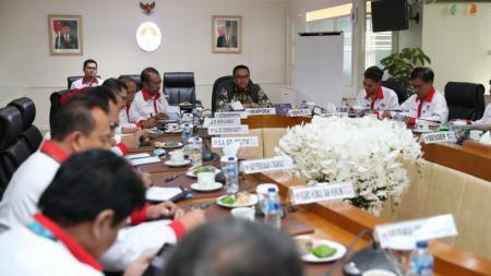 Menpora Imam Nahrawi mendukung (ITDC) yang akan membangun sirkuit MotoGP di daerah Mandalika, Lombok, Nusa Tenggara Barat. - INDOSPORT