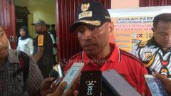 Indosport - Ketua Umum Persipura Jayapura, Benhur Tomi Mano.