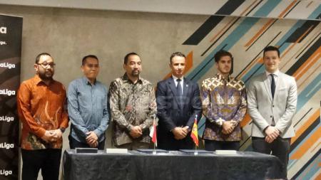 PT LIB dan La Liga saat mengumumkan kerja sama, Rabu (16/01/19). - INDOSPORT