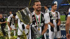 Indosport - AS Roma akan dijamu Juventus di Serie A Italia, Minggu (07/02/21). Berikut deretan eks Giallorossi yang 'membelot' dan raih sukses bareng Bianconeri.