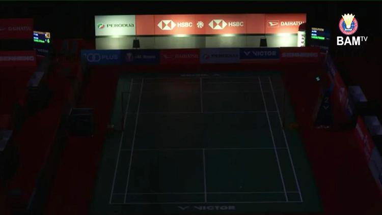 Lampu di Axiata Arena tampak padam Copyright: Twitter