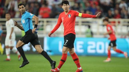 Song Heung-min saat melawan China di Piala Asia 2019 - INDOSPORT