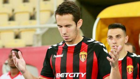 Nildo Victor Juffo, gelandang Brasil yang merapat ke Semen Padang saat bermain untuk klub Makedonia, Vardar. - INDOSPORT
