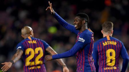 Gaya pemain Barcelona Ousmane Dembele saat membobol kiper Levante di laga Copa del Rey, Jumat (18/01/19). - INDOSPORT