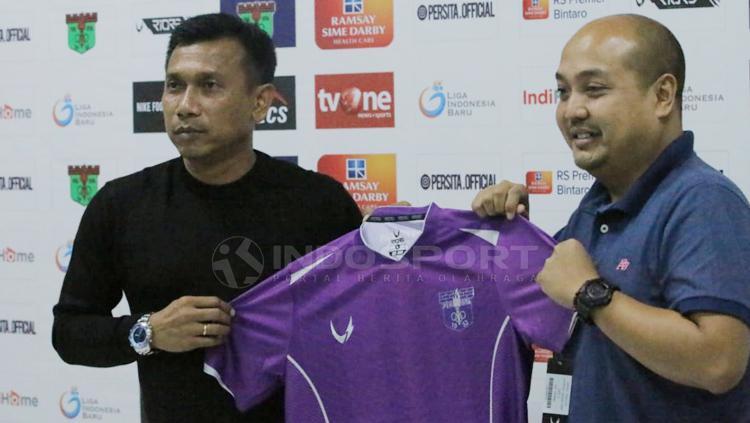 Widodo Cahyono Putro resmi diperkenalkan Persita Tangerang sebagai pelatih barunya Copyright: Petrus Manus Da Yerimon/INDOSPORT