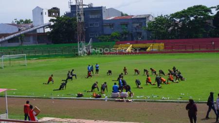 Suasana latihan PSM Makassar di Stadion Mattoanging, Sabtu (19/01/19). - INDOSPORT