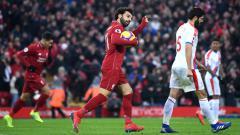Indosport - Pemain Liverpool Mohamed Salah merayakan gol ke gawang Crystal Palace pada laga Liga Primer Inggris (Premier League), Sabtu (19/01/19).