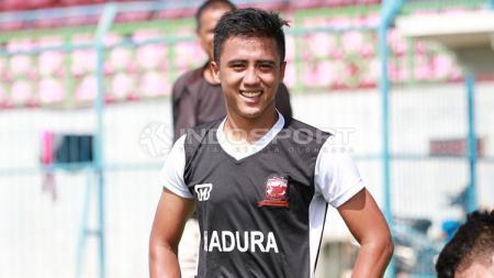 Sosok pemain misterius dari Liga 1 yang hendak didatangkan Persis Solo mulai terkuak. Dia adalah winger muda milik Madura United, Gufroni Almaruf. - INDOSPORT