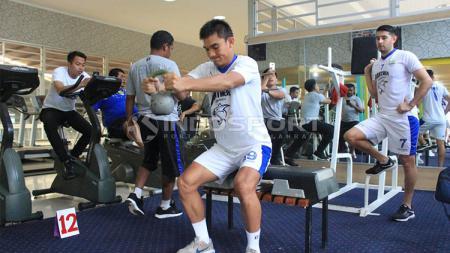 Zalnando dan Vescara saat menjalani latihan bersama Persib Bandung - INDOSPORT