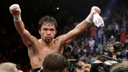 Duel sengit antara Manny Pacquiao vs Conor McGregor bisa terwujud usai sang petinju asal Filipina itu resmi gabung Paradigm Sports Management (PSM). - INDOSPORT