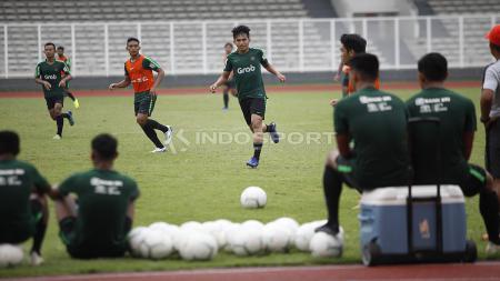 Suasana latihan pemain Timnas Indonesia U-22. - INDOSPORT