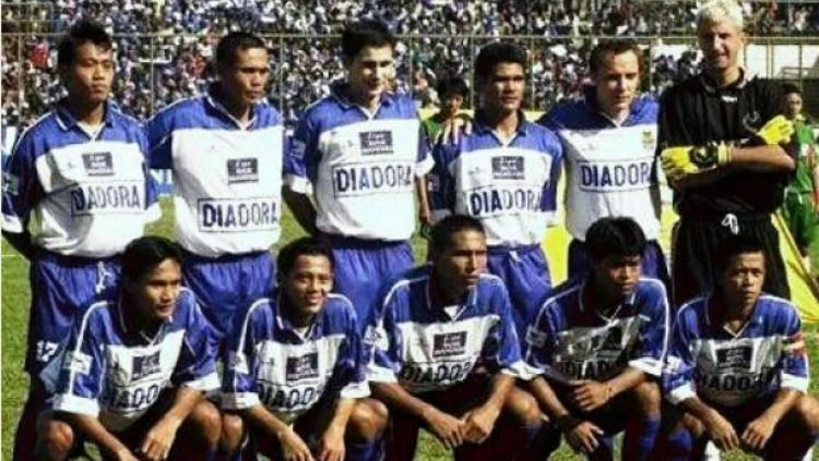 Pemain Asing Persib Bandung Musim 2003 Copyright: Medium