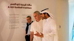 Indosport - Jose Mourinho saat mengunjungi stadion Piala Dunia di Qatar