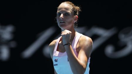 Karolina Pliskova menang atas Serena Williams di perempatfinal Australia Terbuka 2019, Rabu (23/01/19). - INDOSPORT