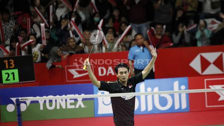 Mohammad Ahsan sempat mengalami cedera di laga final China Open 2019. - INDOSPORT