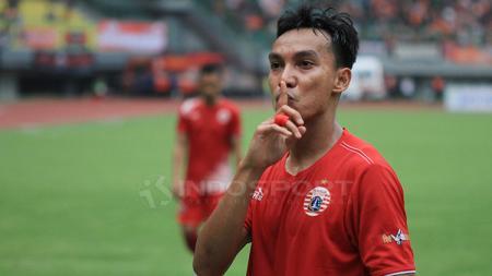Novri Setiawan menuai hujatan dari netizen setelah laga Shopee Liga 1 2019 Persija Jakarta vs Persib Bandung, Rabu (10/07/19). Muhammad Nabil/INDOSPORT. - INDOSPORT