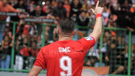 Selebrasi Simic setelah mencetak gol untuk Persija Jakarta