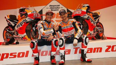 Jorge Lorenzo dan Marc Marquez kala merilis motor baru Honda. - INDOSPORT