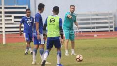 Indosport - Radovic kembali pimpin latihan Persib