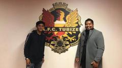 Indosport - Firza Andika telah menandatangani kontrak profesional dengan A.F.C. Tubize.