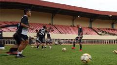 Indosport - Suasana latihan pemain Persipura Jayapura.