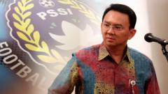 Indosport - Basuki Tjahaja Purnama dan logo PSSI