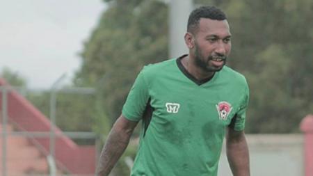 Patrich Wanggai resmi berseragam Persebaya Surabaya untuk mengarungi Liga 1 2020. - INDOSPORT