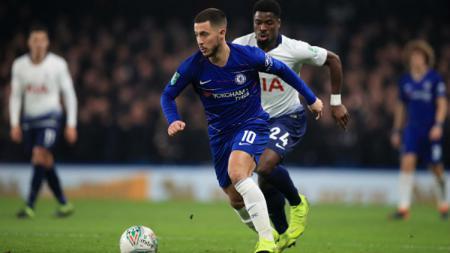 Bintang Chelsea, Eden Hazard, saat melawan Tottenham Hotspur di Carabao Cup. - INDOSPORT