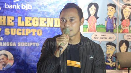 Mantan pemain Persib, Atep, resmi jadi calon wakil Bupati Bandung. - INDOSPORT