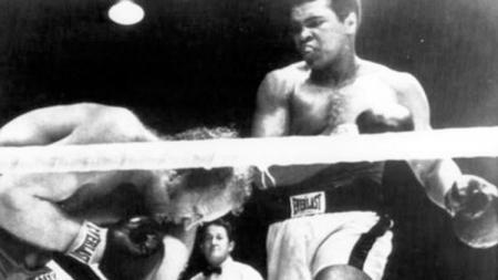 Situasi pertarungan Muhammad Ali vs Rudi Lubbers - INDOSPORT