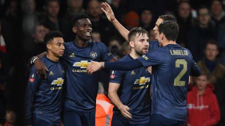 Para pemain Manchester United merayakan gol ke gawang Arsenal di Piala FA, Sabtu (26/01/19). - INDOSPORT