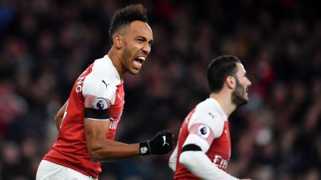 Striker Arsenal Pierre-Emerick Aubameyang merayakan gol ke gawang Manchester United di Piala FA, Sabtu (26/01/19). - INDOSPORT