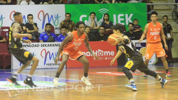 Prawira Bandung saat menghadapi NSH di GOR C-Tra Arena, Cikutra, Kota Bandung, Jumat (25/01/19). Copyright: Arif Rahman/INDOSPORT