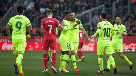 Tumbalkan Nelson Semedo untuk dapatkan Lautaro Martinez, Barcelona kabarnya incar pemain berusia 19 tahun dari Ajax Amsterdam, Sergino Dest. - INDOSPORT