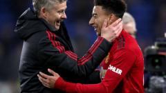 Indosport - Masih cinta dan tak rela kehilangannya dari skuat Manchester United, ini bukti cinta Ole Gunnar Solskjaer ke Jesse Lingard yang dipinjamkan ke rival Liga Inggris, West Ham.