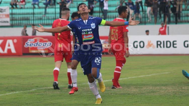 Hari Nur Yulianto, pemain PSIS Semarang. Copyright: Ronald Seger Prabowo/INDOSPORT