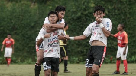 Pemain Bali United U-17 sukses menang 2-0 di laga perdana Piala Soeratin hari ini, (28/01/19). - INDOSPORT
