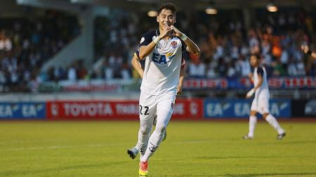 Selebrasi gol Gabriel Quak - INDOSPORT