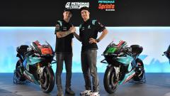 Indosport - Fabio Quartararo dan Franco Morbidelli dalam acara launching motor tim PETRONAS SRT